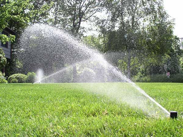 Montaggio-impianti-idrici-per-giardini-Reggio-Emilia