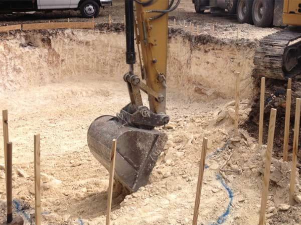 scavo-per-piscina-interrata-reggio-emilia